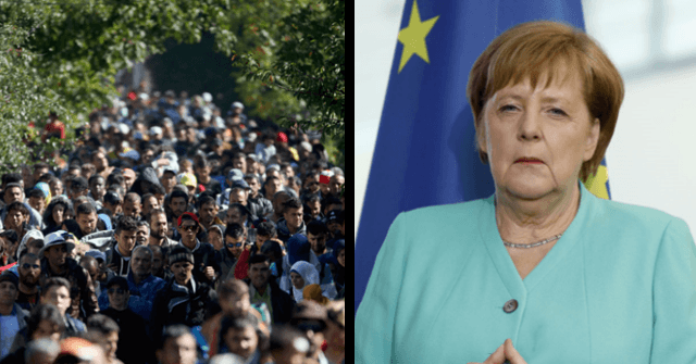 Opening the Borders 'Not a Mistake': Merkel Defends Migrant Crisis Decisions