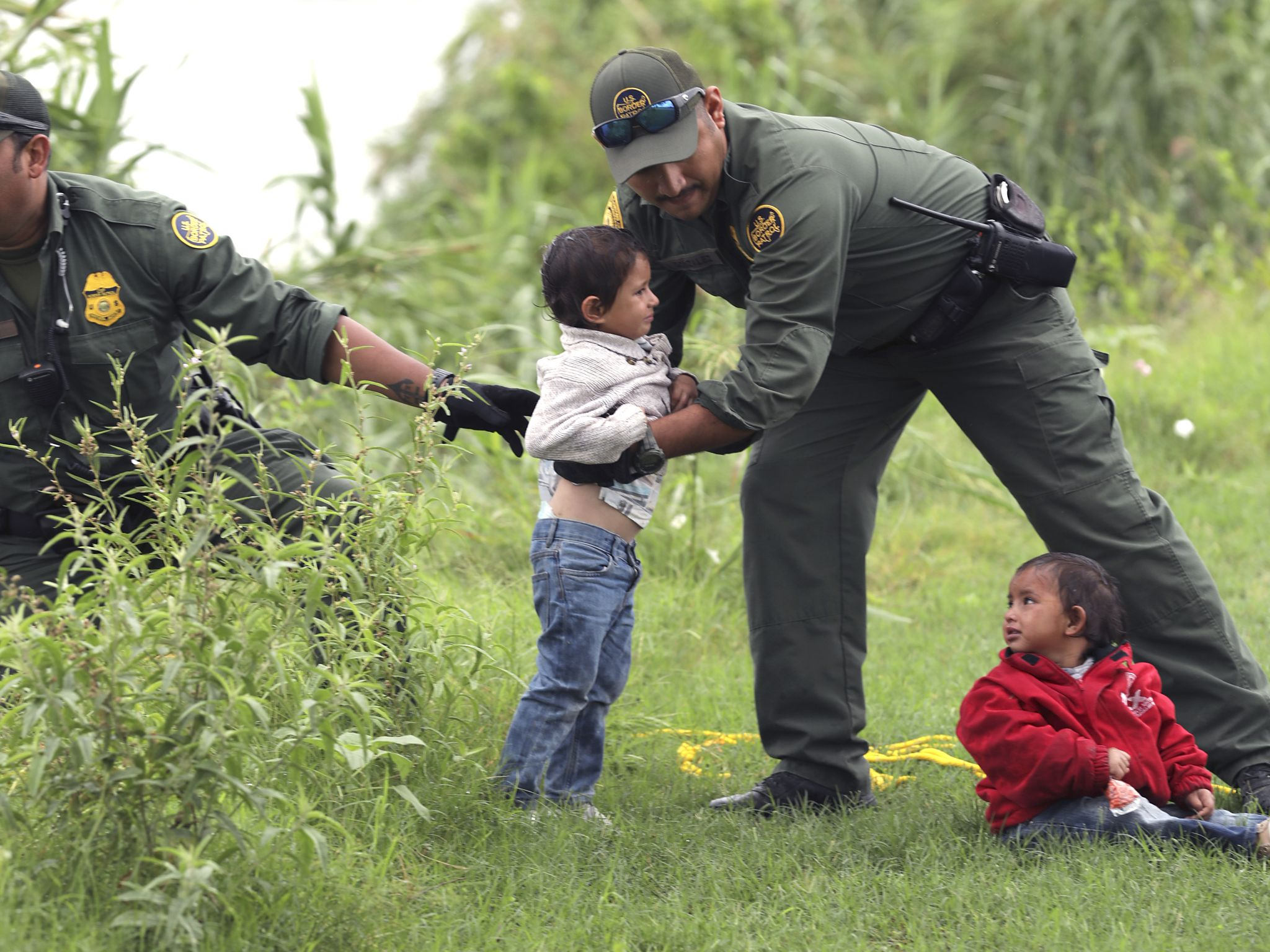 Border Patrol proposes new job to feed, care for illegal immigrants