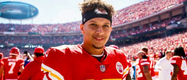 watch-kansas-city-chiefs'-star-patrick-mahomes-destroy-a-drone-in-the-air-with-a-football