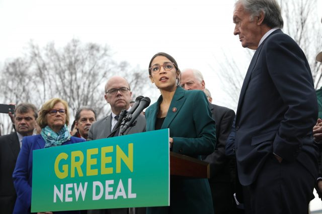 labor-and-environment-movement's-complex-stance-on-green-new-deal