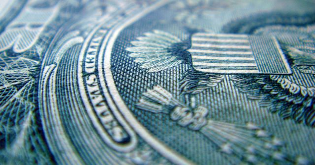 federal-deficit-to-reach-$1-trillion-by-next-year,-budget-office-predicts