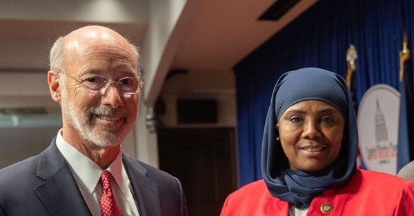 pennsylvania-governor-converts-to-islam?-spotted-praising-allah