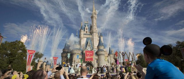 florida-woman-gets-banned-for-life-from-walt-disney-world-over-a-cigarette