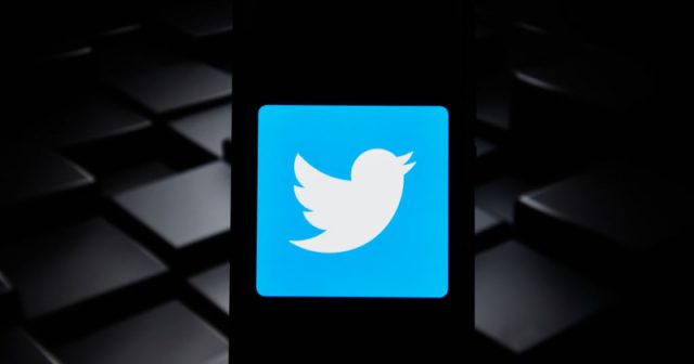 des-moines-register-under-fire-over-editor's-past-tweets-–-after-he-exposed-another-person's-old-tweets