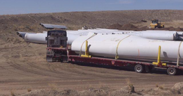 hundreds-of-non-recyclable-wind-turbine-blades-to-be-buried-in-landfill