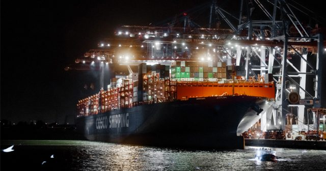 container-shipping-rates-collapse-over-40%-forcing-carriers-to-slash-capacity