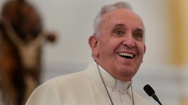 pope-francis:-god-has-a-'particular-concern-for-foreigners'