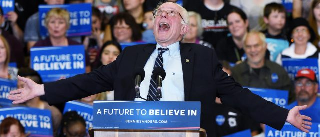 expect-to-see-bernie-sanders-on-the-debate-stage-in-october