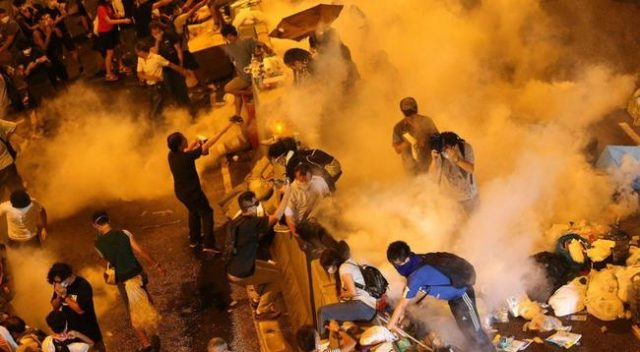 undercover-cops-badly-beaten-as-hong-kong-protesters-rampage-over-'anti-mask'-law