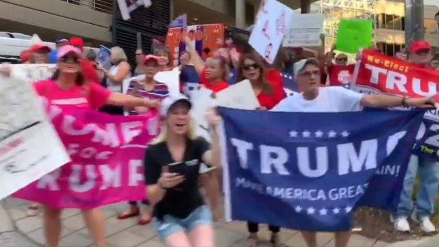 pelosi-stopped-in-south-carolina-for-a-fundraiser-but-was-greeted-by-massive-crowd-of-trump-supporters