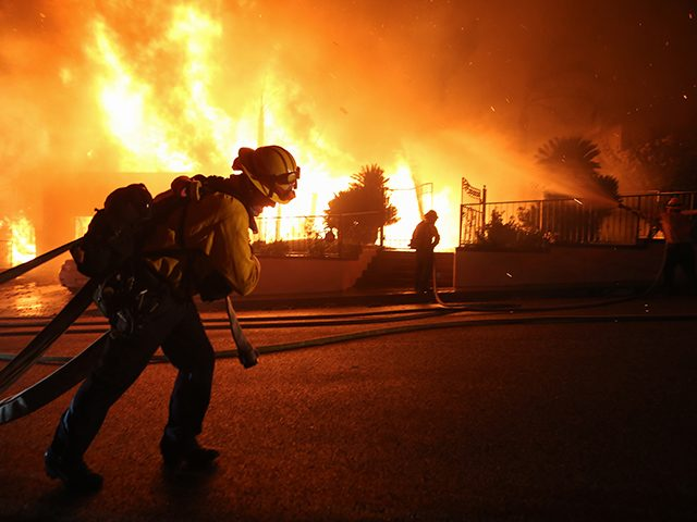 authorities-order-100,000-evacuated-in-california-wildfire
