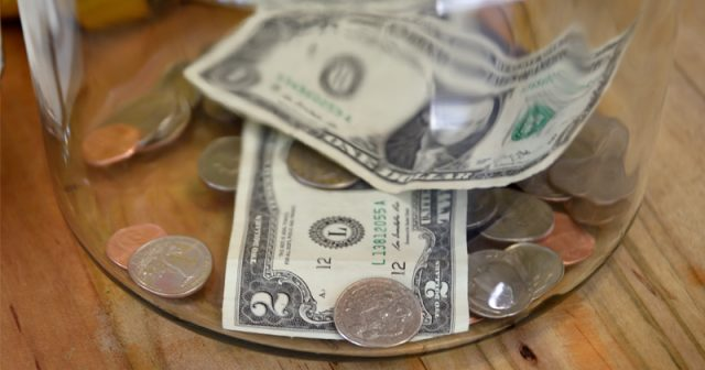 peter-schiff-warns-of-coming-higher-consumer-prices-amid-weakening-dollar