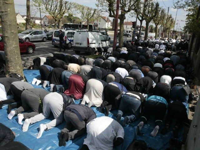 poll:-61-per-cent-of-french-say-islam-'incompatible'-with-society