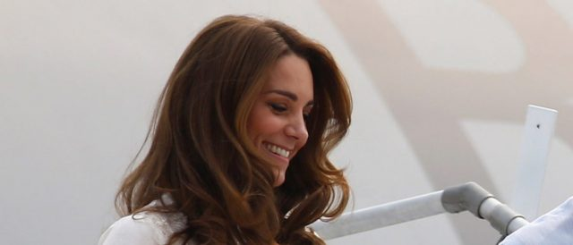 kate-middleton-is-just-like-one-of-the-other-moms-thanks-to-a-pub's-secret-door