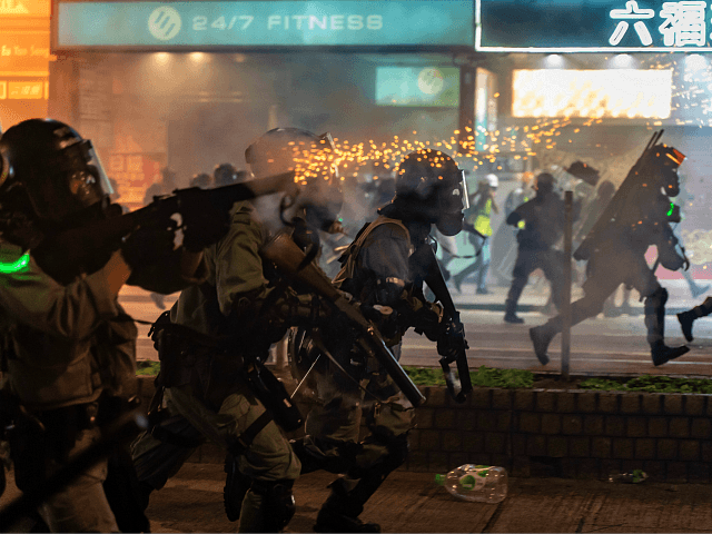 hong-kong-police-shoot-protesters-at-close-range