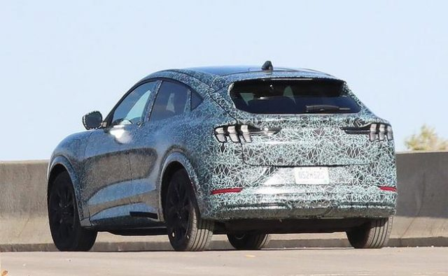 ford-starts-taking-$500-deposits-for-all-electric-mustang-mach-e