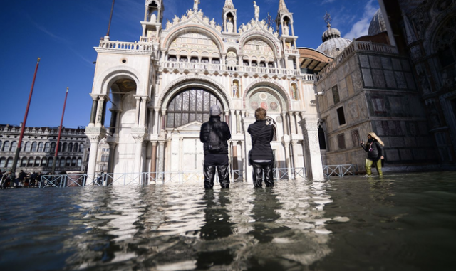 italy-declares-state-of-emergency-as-record-flooding-in-venice-worsens