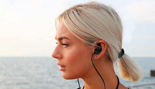 here-are-4-wireless-earbuds-that-will-help-you-survive-holiday-travel