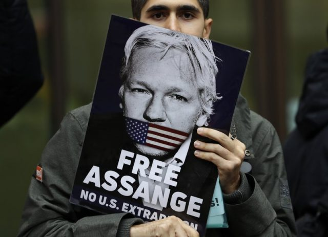 60+-doctors-warn-assange-'could-die-in-prison'.-uk-&-australia-governments-do-nothing-(video)