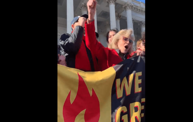 jane-fonda-leads-black-friday-climate-change-protest,-targets-farmers-and-cattle-ranchers