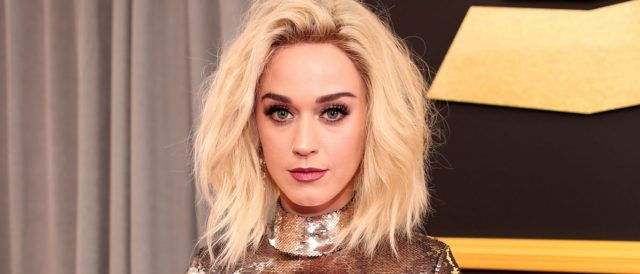 katy-perry-gets-in-holiday-spirit-with-sexy-santa-claus-photo