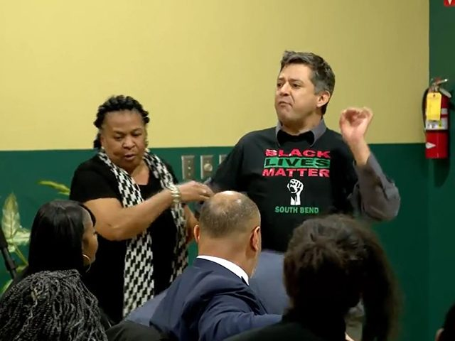 watch:-leftist-white-man-steals-mic-from-black-councilwoman-supporting-pete-buttigieg