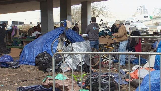 "portland-considers-""mandatory-rest-spaces""-for-the-homeless-on-private-property"