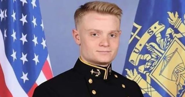 pensacola-nas-shooting-victim-'saved-countless-lives-with-his-own'