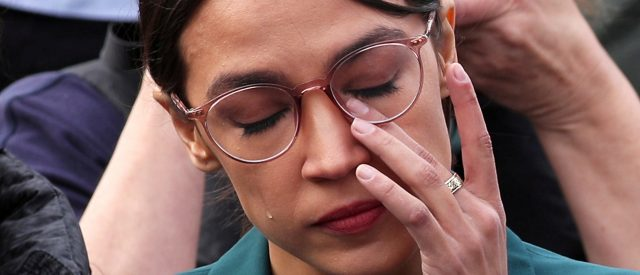 here-are-the-democratic-lawmakers-who-are-trying-to-distance-themselves-from-ocasio-cortez's-green-new-deal