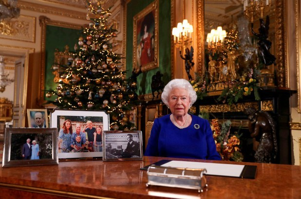 prince-andrew,-meghan-and-harry-missing-from-queen's-photos-as-she-notes-'bumpy'-year