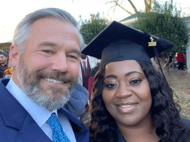 passenger-pays-uber-driver's-college-debt-so-she-can-graduate