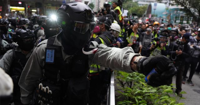 hong-kong-protesters-fear-police-infected-seized-phones-with-spyware