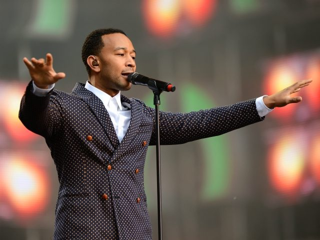 john-legend-scolds-bernie-sanders-supporters-for-'nastiness,'-endorses-elizabeth-warren