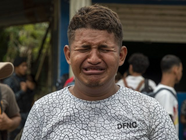 hundreds-of-caravan-migrants-deported-to-honduras-by-guatemalan-police,-us.-ice-agents