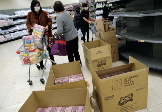 panicked-hong-kongers-hoard-food,-water,-supplies-amid-coronavirus-hysteria
