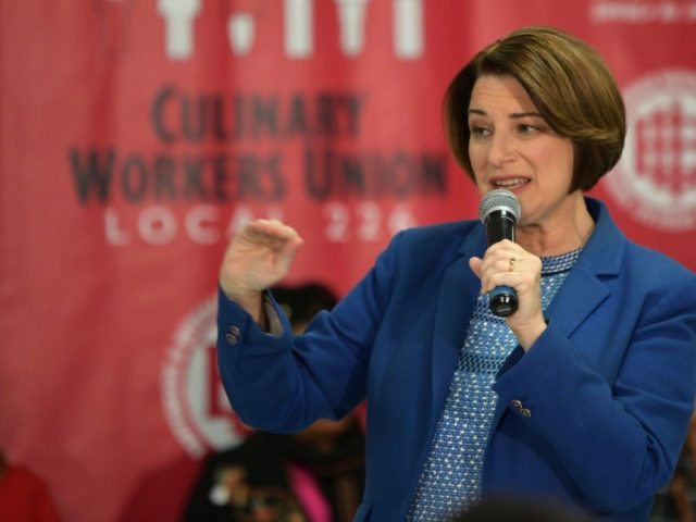 amy-klobuchar-introduces-herself-to-las-vegas-union-members-with-4th-grade-spanish-name