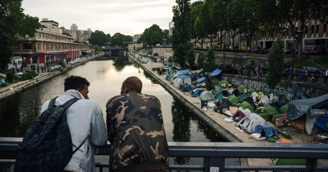 new-stats-reveal-nearly-half-of-all-criminals-in-paris-ghettos-have-migrant-background