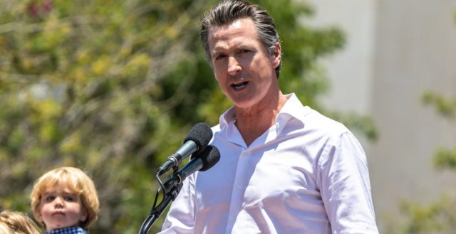 california-governor-gavin-newsom-issues-statewide-shelter-in-place-order