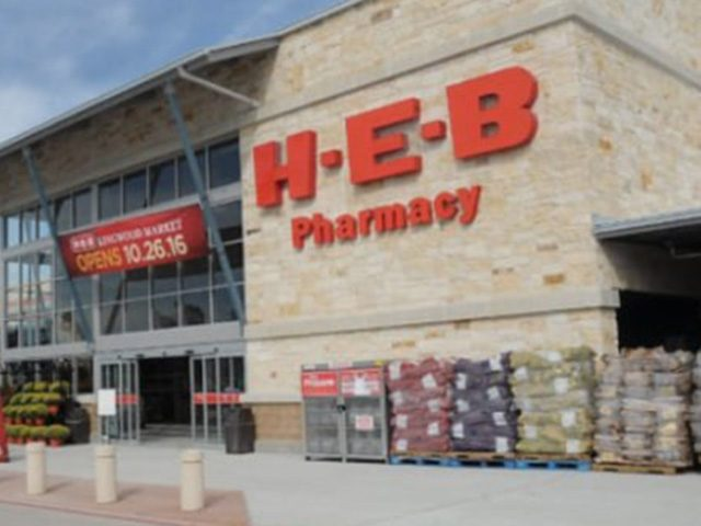 h-e-b-grocery-chain-thanks-workers-with-pay-raise-during-coronavirus-outbreak