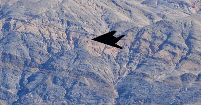 retired-f-117-stealth-fighter-spotted-in-california