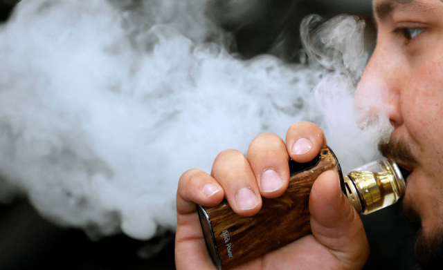 doctors-say-vaping-could-make-coronavirus-worse-for-young-people