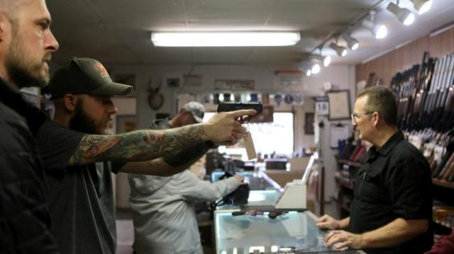 """someone-is-gonna-get-shot""-–-la-county-sheriff-orders-all-gun-stores-closed"