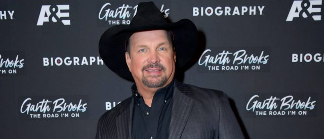 garth-brooks-and-trisha-yearwood-to-host-cbs-benefit-concert-from-their-home-during-coronavirus-outbreak
