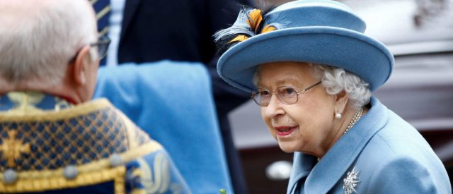 fact-check:-did-buckingham-palace-confirm-queen-elizabeth-tested-positive-for-coronavirus?