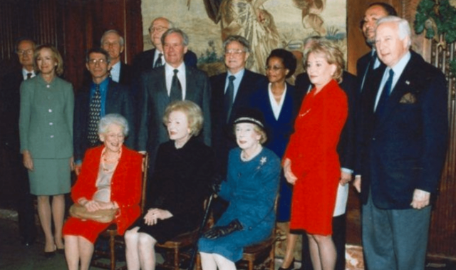 photos:-image-surfaces-of-dr-fauci-with-george-soros,-bill-gates-sr.,-david-rockefeller-&-more-(open-to-see-who's-who!)