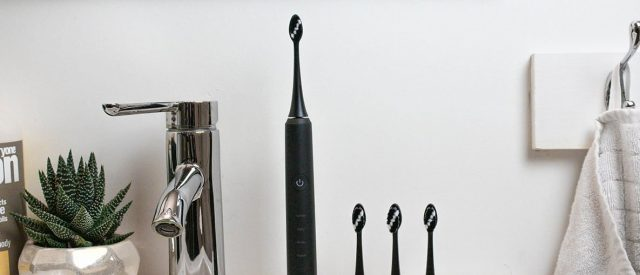 finally,-a-high-end-electric-toothbrush-that-doesn't-cost-a-fortune