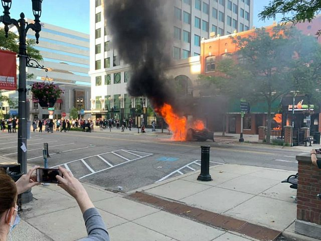 video:-lansing-rioters-break-into-bank,-smash-windows,-burn-car-–-in-stark-contrast-to-'reopen'-protesters