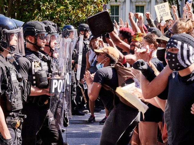 park-police-reiterate:-no-tear-gas-outside-wh-despite-la-times,-other-media-claims