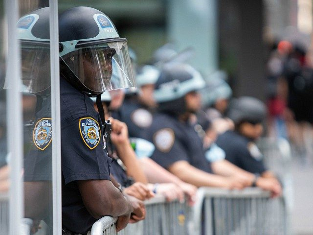 nearly-300-nypd-officers-file-for-retirement-as-violent-crime-surges