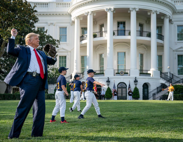 donald-trump-celebrates-return-of-baseball-with-little-league-players-at-the-white-house